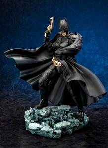 Dark-Knight-Rises-Batman-ArtFX-Statue-218x300 Geek : Figurine Batman