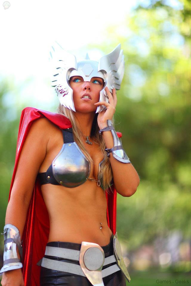 250814_224523994334914_999669126_n Cosplay - Lady Thor #25