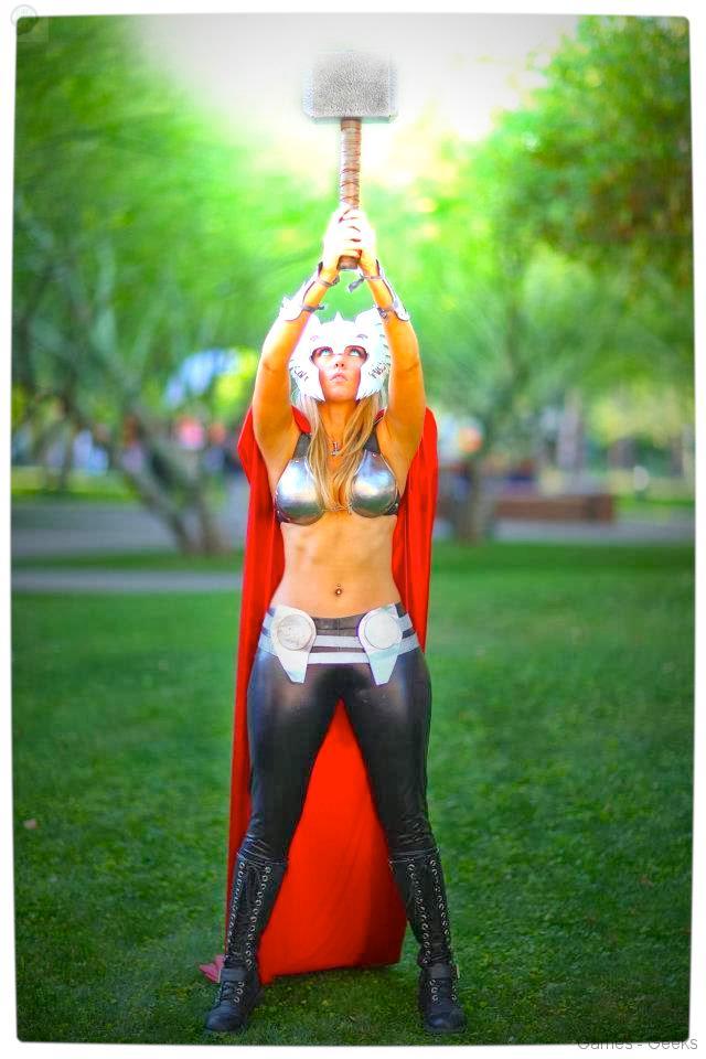 Vamers-Geekosphere-Thorsday-Toni-Darling-Gender-Bends-Thorsday-Toni-Darling-as-Thor-01 Cosplay - Lady Thor #25