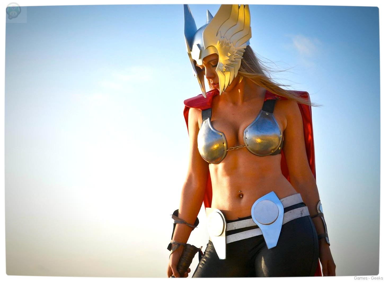 Vamers-Geekosphere-Thorsday-Toni-Darling-Gender-Bends-Thorsday-Toni-Darling-as-Thor-04 Cosplay - Lady Thor #25