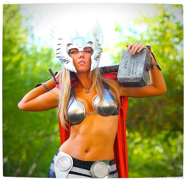 Vamers-Geekosphere-Thorsday-Toni-Darling-Gender-Bends-Thorsday-Toni-Darling-as-Thor-07 Cosplay - Lady Thor #25