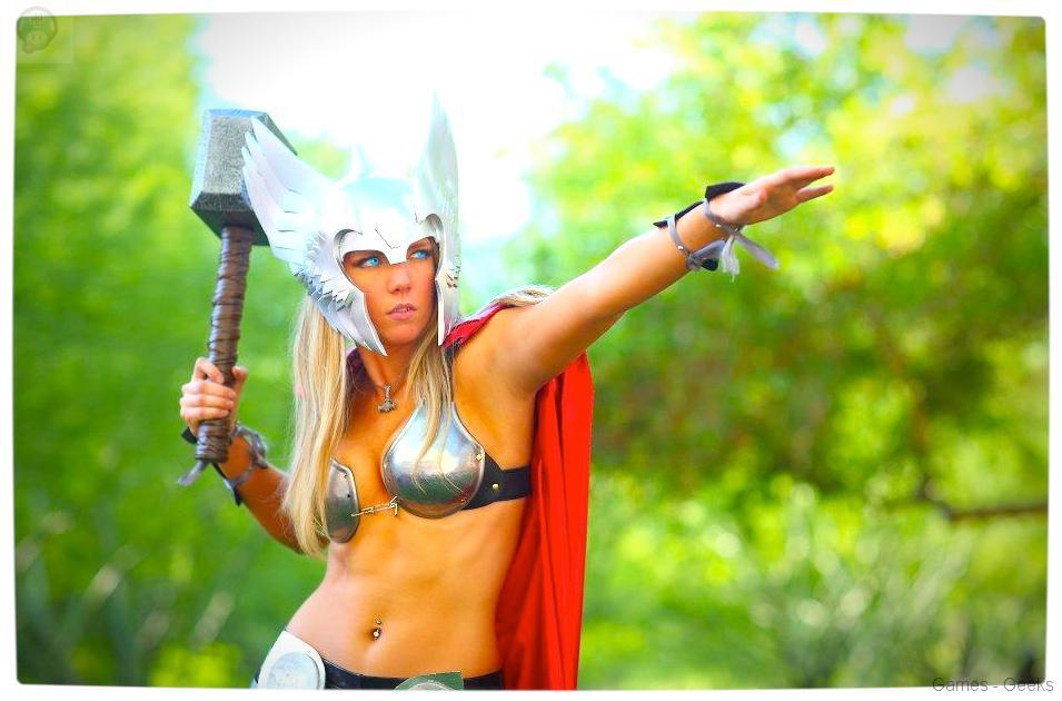 Vamers-Geekosphere-Thorsday-Toni-Darling-Gender-Bends-Thorsday-Toni-Darling-as-Thor-09 Cosplay - Lady Thor #25