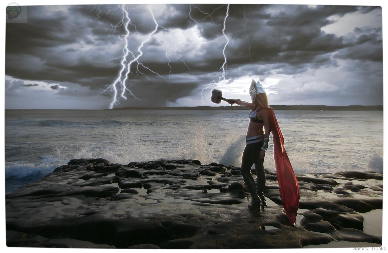 Vamers-Geekosphere-Thorsday-Toni-Darling-Gender-Bends-Thorsday-Toni-Darling-as-Thor-10 Cosplay - Lady Thor #25