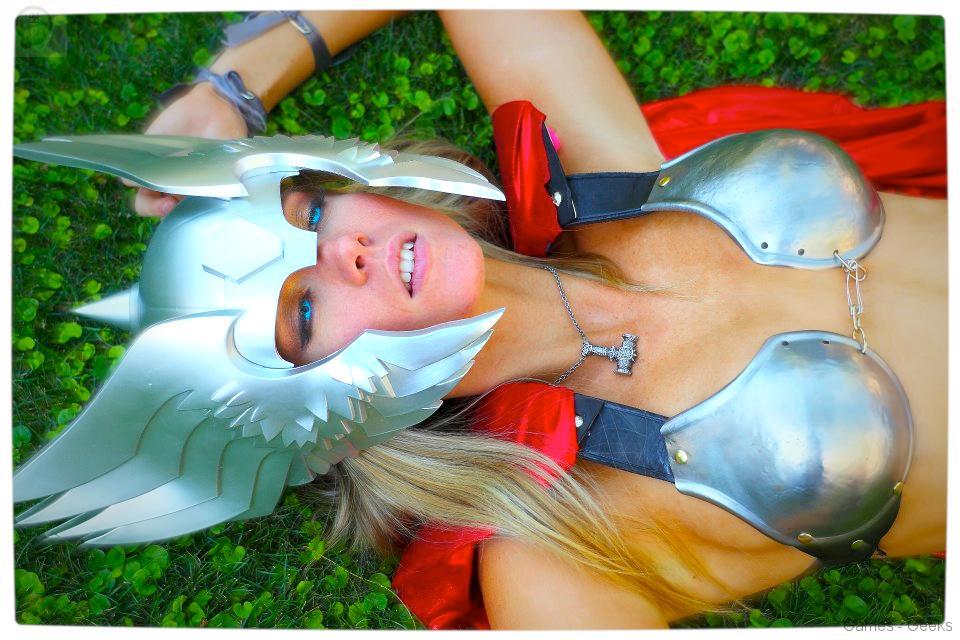 Vamers-Geekosphere-Thorsday-Toni-Darling-Gender-Bends-Thorsday-Toni-Darling-as-Thor-15 Cosplay - Lady Thor #25