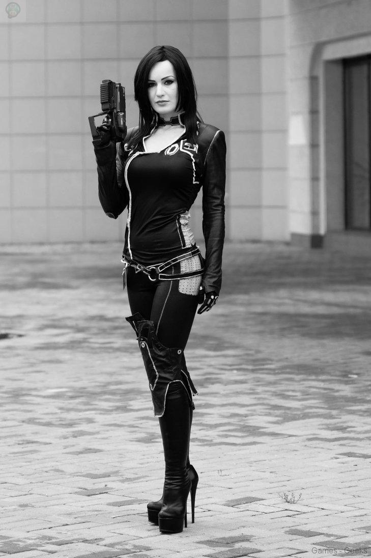 untitled_by_hannuki-d6mgmoh Cosplay - Mass Effect - Miranda #60