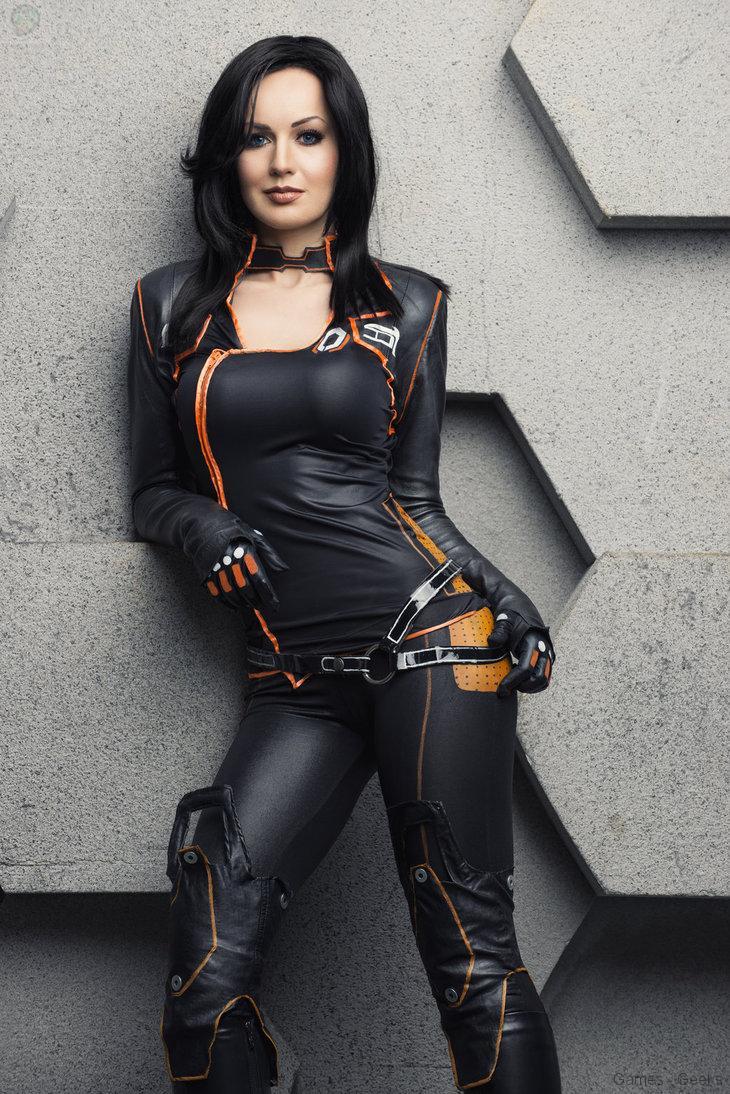untitled_by_hannuki-d74c6gk Cosplay - Mass Effect - Miranda #60