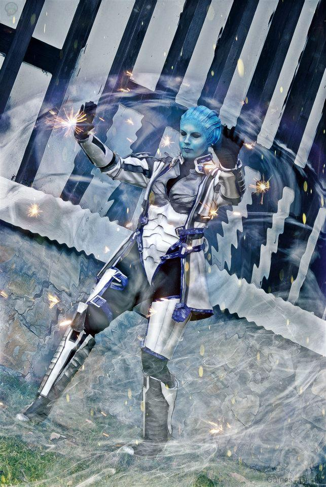 64790_135290076640549_246821747_n Cosplay - Mass Effect - Liara #62