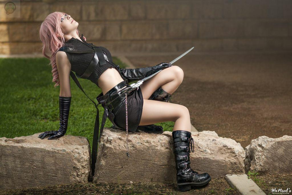 boots_and_swords_by_puppetsfall-d6k2v6e Cosplay - Final Fantasy - Lightning #61