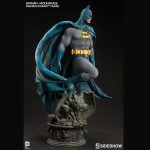 Batman-Modern-Age-Premium-Format-Figure-right-150x150 Figurine : Batman Modern Age