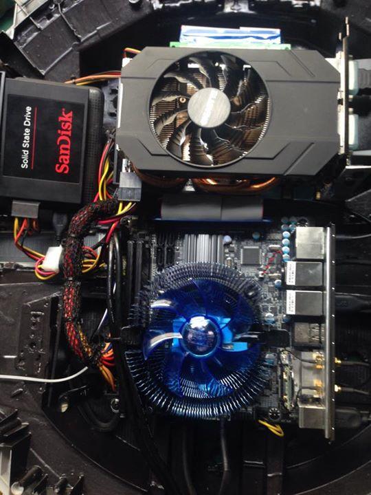 Un ordinateur l 39 int rieur d 39 un faucon millenium for Interieur faucon millenium