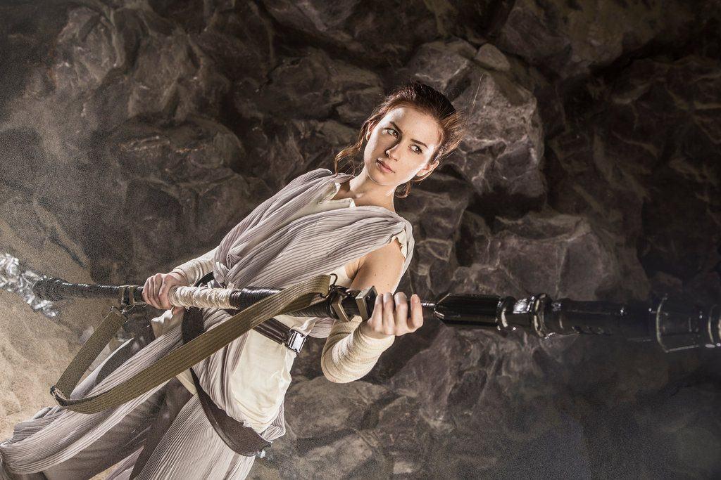 star_wars__the_force_awakens___rey_by_jokerlolibel-d9nb63v-1024x683 Cosplay - Star Wars - Rey #106