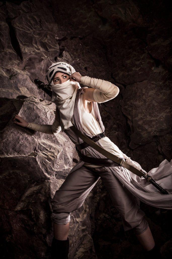 star_wars__the_force_awakens_by_jokerlolibel-d9nhf58-683x1024 Cosplay - Star Wars - Rey #106
