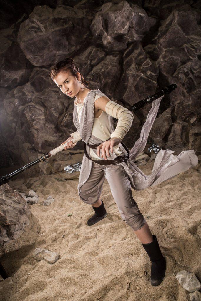 star_wars__the_force_awakens_by_jokerlolibel-d9ogozc-683x1024 Cosplay - Star Wars - Rey #106
