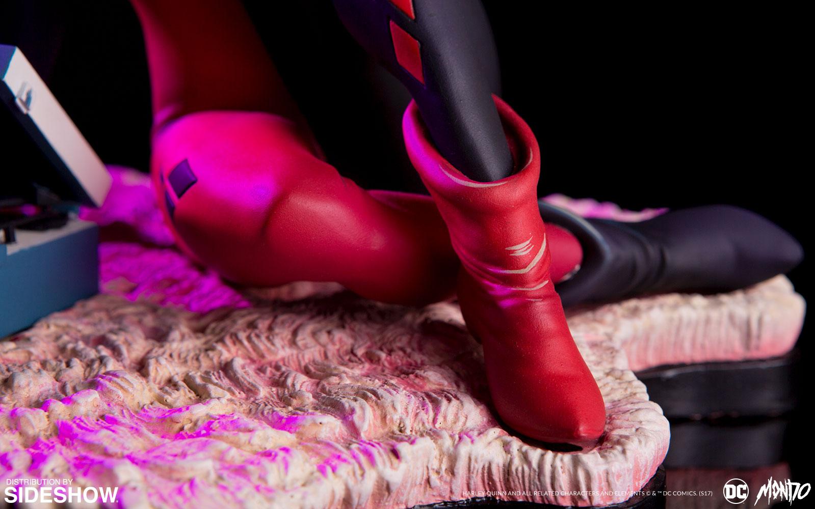 dc-comics-waiting-for-my-j-man-harley-quinn-statue-mondo-902952-04 Figurine - Harley Quinn - Waiting for My J Man