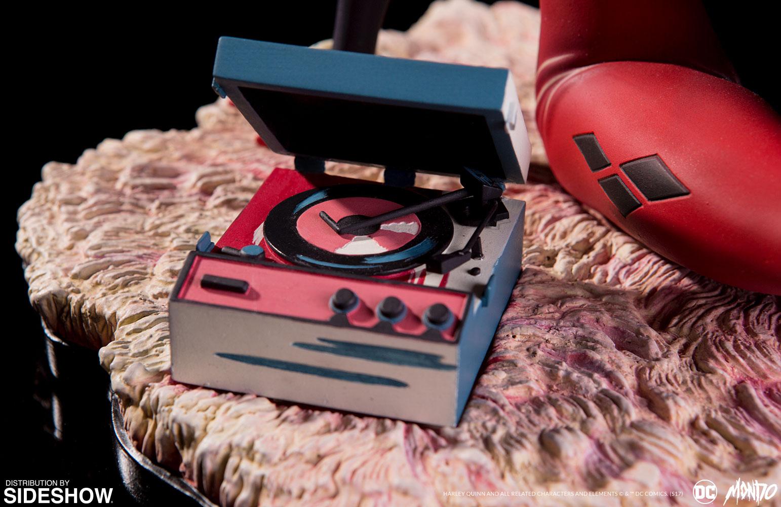 dc-comics-waiting-for-my-j-man-harley-quinn-statue-mondo-902952-10 Figurine - Harley Quinn - Waiting for My J Man