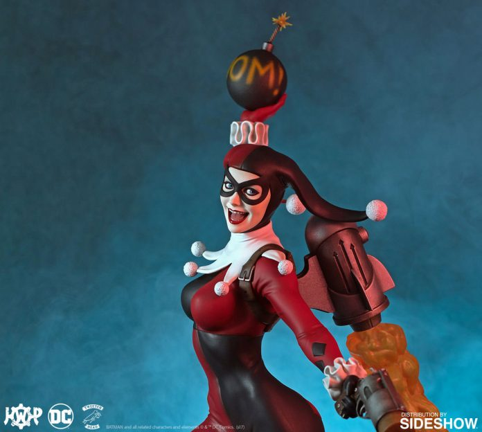 dc-comics-harley-quinn-maquette-super-powers-collection-tweeterhead-feature-903045-08-696x624 Harley Quinn Super Powers Collection Maquette