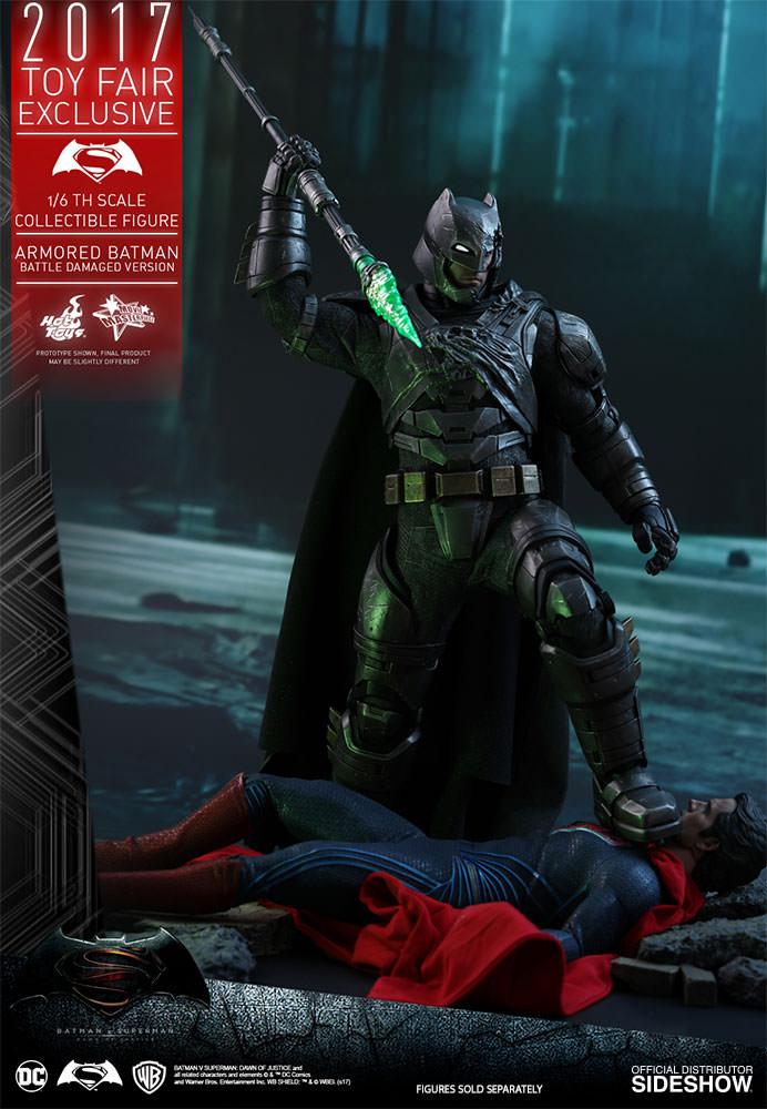 dc-comics-bvs-armored-batman-battle-damaged-version-sixth-scale-hot-toys-903086-02 Figurine - Armored Batman Battle Damaged Version
