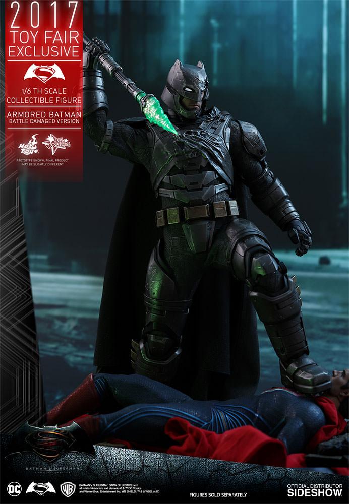 dc-comics-bvs-armored-batman-battle-damaged-version-sixth-scale-hot-toys-903086-03 Figurine - Armored Batman Battle Damaged Version