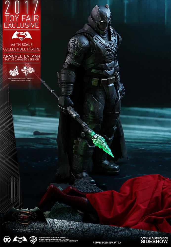 dc-comics-bvs-armored-batman-battle-damaged-version-sixth-scale-hot-toys-903086-05 Figurine - Armored Batman Battle Damaged Version
