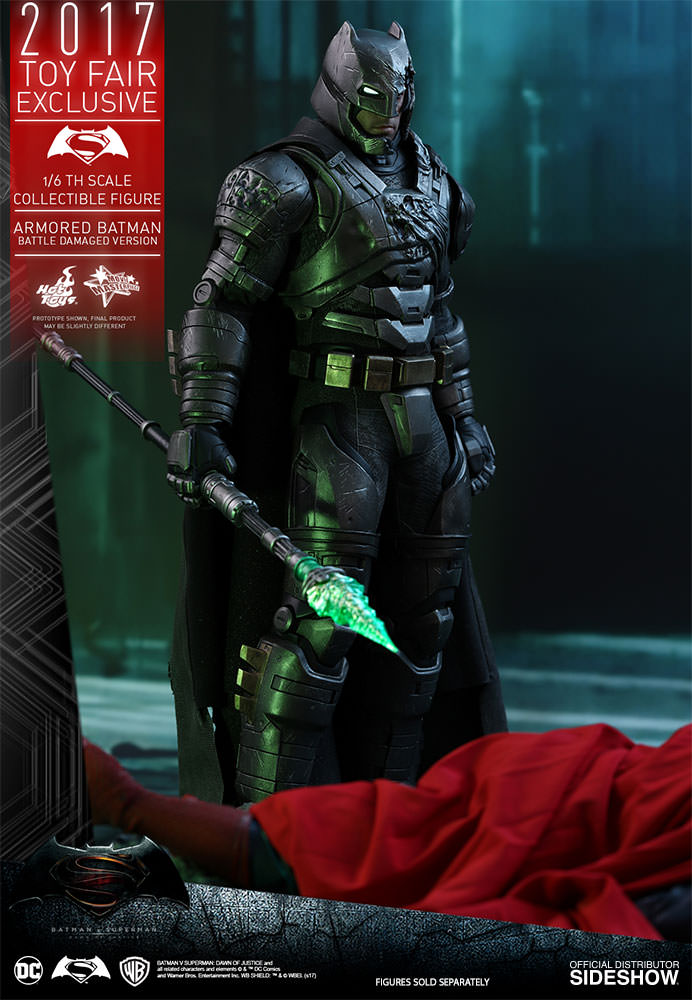 dc-comics-bvs-armored-batman-battle-damaged-version-sixth-scale-hot-toys-903086-06 Figurine - Armored Batman Battle Damaged Version
