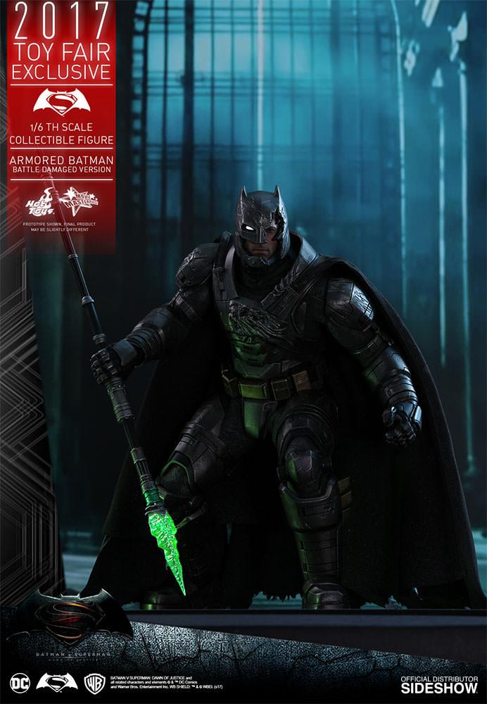 dc-comics-bvs-armored-batman-battle-damaged-version-sixth-scale-hot-toys-903086-07 Figurine - Armored Batman Battle Damaged Version