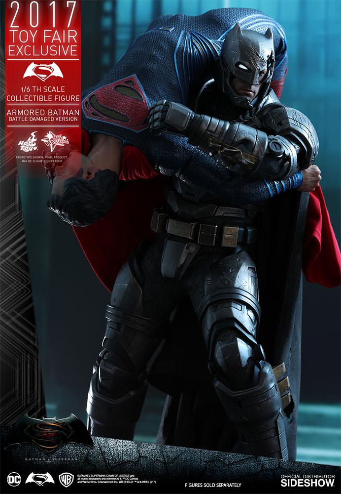 dc-comics-bvs-armored-batman-battle-damaged-version-sixth-scale-hot-toys-903086-11 Figurine - Armored Batman Battle Damaged Version