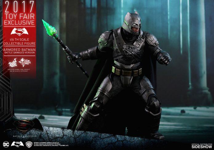 dc-comics-bvs-armored-batman-battle-damaged-version-sixth-scale-hot-toys-903086-13-696x487 Figurine - Armored Batman Battle Damaged Version