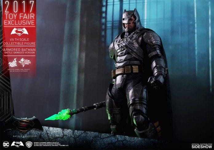 dc-comics-bvs-armored-batman-battle-damaged-version-sixth-scale-hot-toys-903086-15-696x487 Figurine - Armored Batman Battle Damaged Version