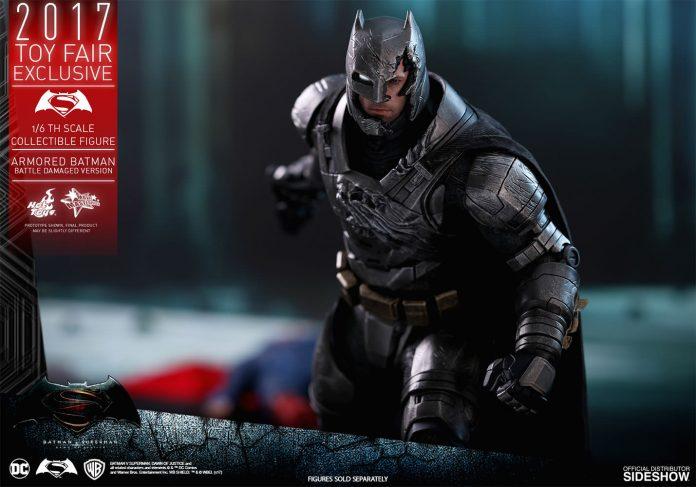 dc-comics-bvs-armored-batman-battle-damaged-version-sixth-scale-hot-toys-903086-17-696x487 Figurine - Armored Batman Battle Damaged Version