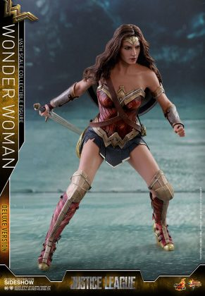 dc-comics-justice-league-wonder-woman-deluxe-sixth-scale-hot-toys-903121-03-291x420 Figurine - Wonder Woman Deluxe Version Sixth-Scale Figure