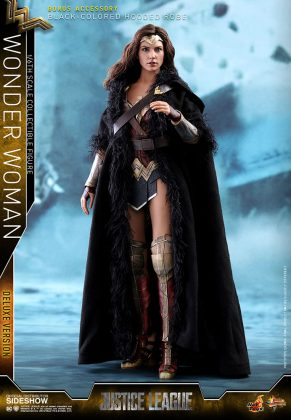 dc-comics-justice-league-wonder-woman-deluxe-sixth-scale-hot-toys-903121-04-291x420 Figurine - Wonder Woman Deluxe Version Sixth-Scale Figure