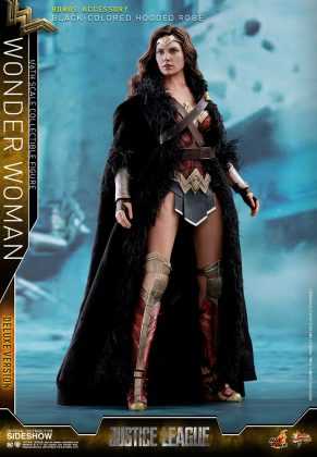 dc-comics-justice-league-wonder-woman-deluxe-sixth-scale-hot-toys-903121-05-291x420 Figurine - Wonder Woman Deluxe Version Sixth-Scale Figure
