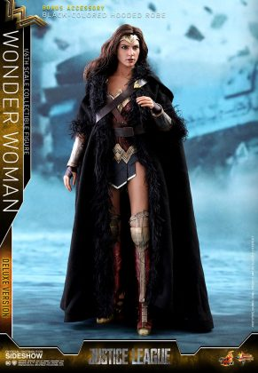 dc-comics-justice-league-wonder-woman-deluxe-sixth-scale-hot-toys-903121-06-291x420 Figurine - Wonder Woman Deluxe Version Sixth-Scale Figure