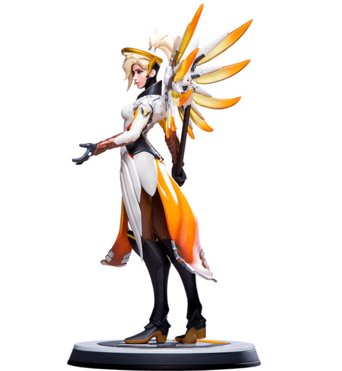 Mercy-blizzard-statue-4-696x755 Overwatch - Enfin une figurine pour Mercy