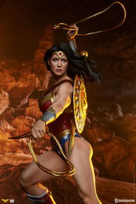 dc-comics-wonder-woman-premium-format-figure-sideshow-300664-02-280x420 Figurine - DC Comics Wonder Woman Premium Format