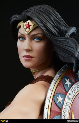 dc-comics-wonder-woman-premium-format-figure-sideshow-300664-14-271x420 Figurine - DC Comics Wonder Woman Premium Format