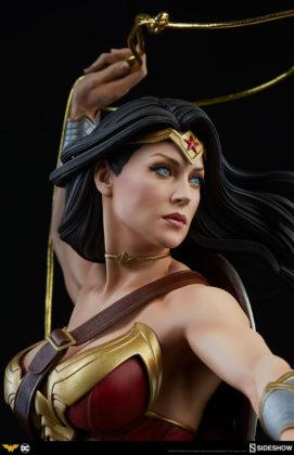 dc-comics-wonder-woman-premium-format-figure-sideshow-300664-15-271x420 Figurine - DC Comics Wonder Woman Premium Format