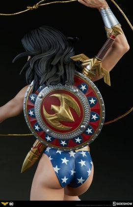 dc-comics-wonder-woman-premium-format-figure-sideshow-300664-17-271x420 Figurine - DC Comics Wonder Woman Premium Format