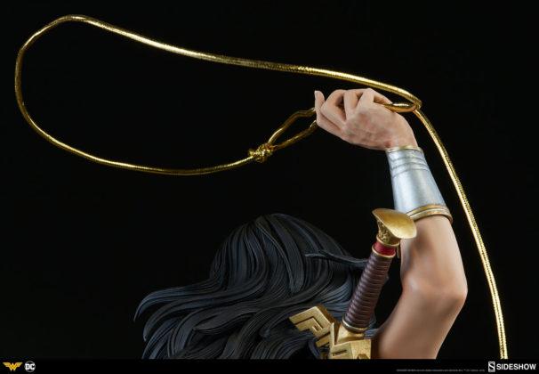 dc-comics-wonder-woman-premium-format-figure-sideshow-300664-22-606x420 Figurine - DC Comics Wonder Woman Premium Format