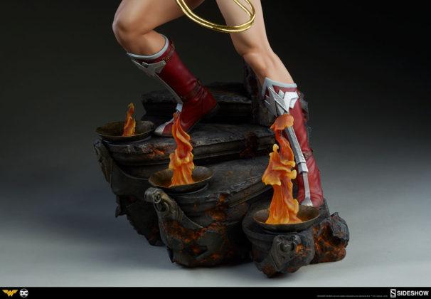 dc-comics-wonder-woman-premium-format-figure-sideshow-300664-25-606x420 Figurine - DC Comics Wonder Woman Premium Format