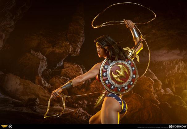 dc-comics-wonder-woman-premium-format-figure-sideshow-300664-29-606x420 Figurine - DC Comics Wonder Woman Premium Format