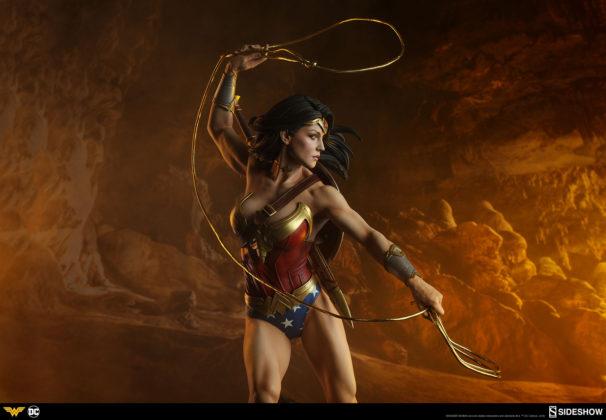 dc-comics-wonder-woman-premium-format-figure-sideshow-300664-31-606x420 Figurine - DC Comics Wonder Woman Premium Format