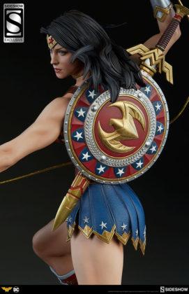 dc-comics-wonder-woman-premium-format-figure-sideshow-3006641-04-271x420 Figurine - DC Comics Wonder Woman Premium Format