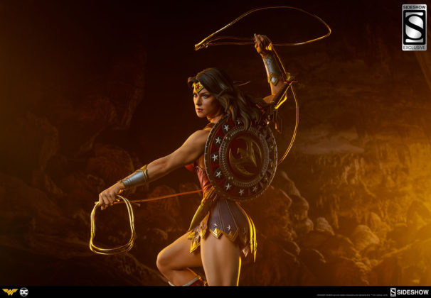 dc-comics-wonder-woman-premium-format-figure-sideshow-3006641-06-606x420 Figurine - DC Comics Wonder Woman Premium Format