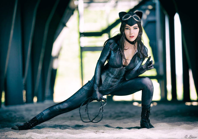 13-catwoman-cosplay-13-696x490 Cosplay - CatWoman #150