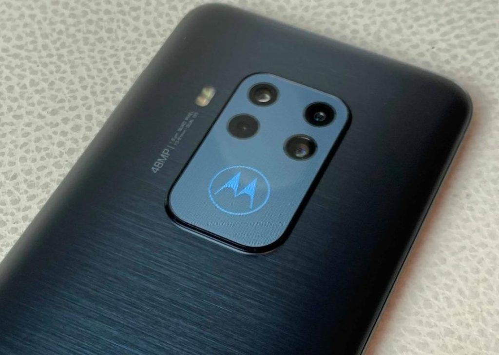 Motorola-Zoom-Avis-71gUskwVzhL-1024x730 Présentation du Motorola Zoom