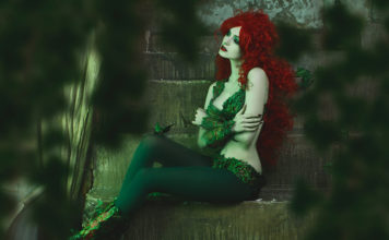 poison-ivy-cosplay-06-356x220 Games & Geeks - TagDiv