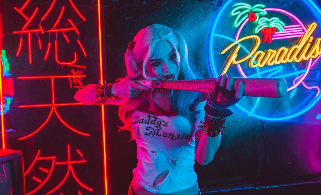 harley_quinn__dc_comics___2_by_katssby_de9r3ft-fullview-1024x622 Un Cosplay de Harley Quinn – Suicide Squad par Katssby #212