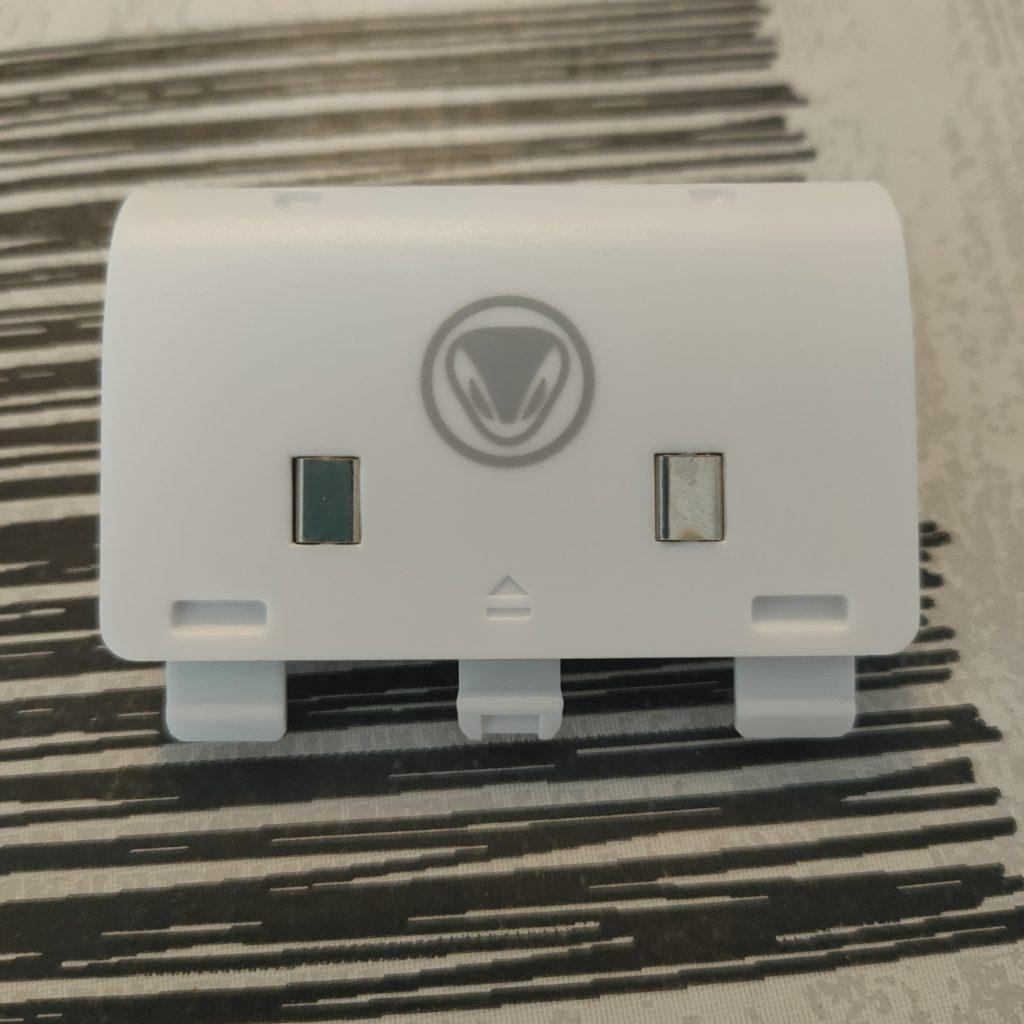 wp-1612951889573-1024x1024 Présentation du chargeur Charge SX de Snakebyte Twin pour Xbox