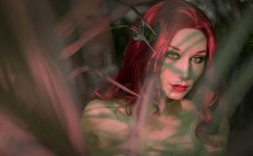 poison-ivy-cosplay-05-356x220 Games & Geeks - TagDiv